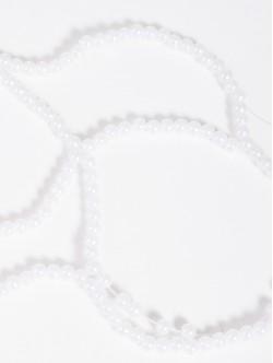 Мъниста на наниз - бели
