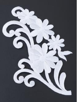 Цвете за залепване в бял цвят 17,5 сантиметра