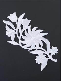 Цвете за залепване в бял цвят 12,5 сантиметра