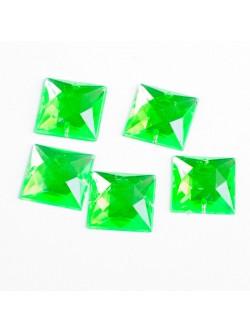 Квадратни камъни в зелено за зашиване
