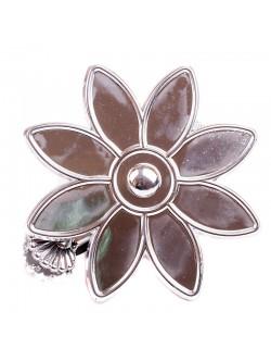 Сребриста щипка - цвете